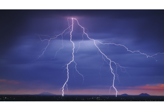 "Case ""Lightning — beautiful yet dangerous"""